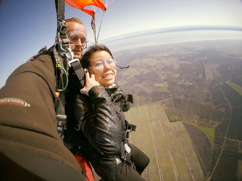 Christina Boixiere did a skydiving